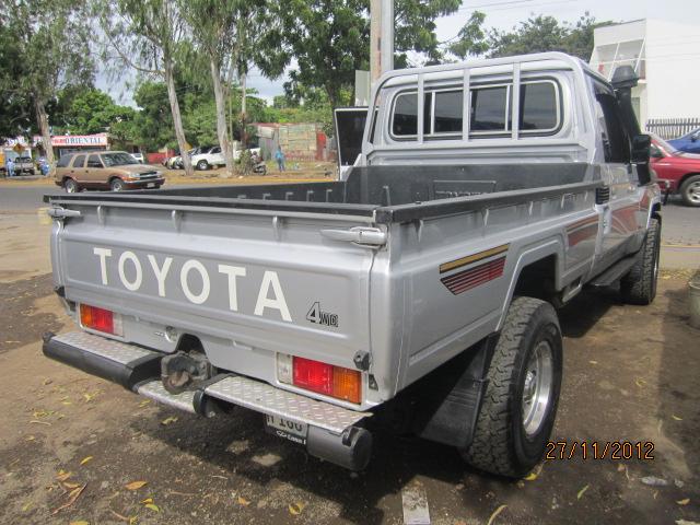 Toyota Land Cruiser Pickup 2011   AUTOLOTE DE OCCIDENTE